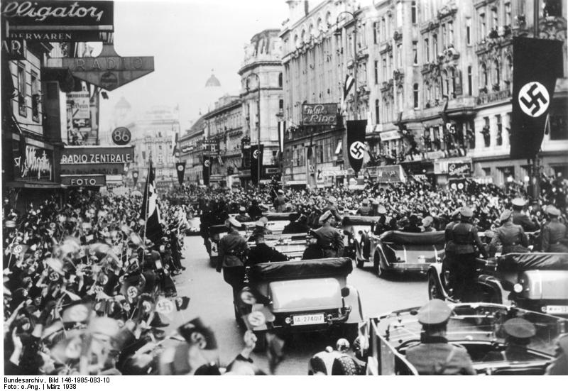 Austrians welcome the Nazis to their country